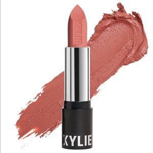 Kylie Almost Friday Matte Lipstick 💄 🎀